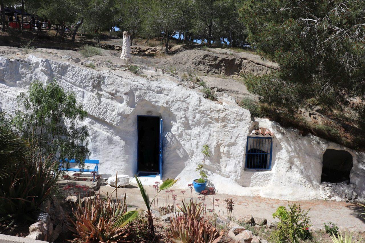 Cuevas del Rodeo w Rojales. 32